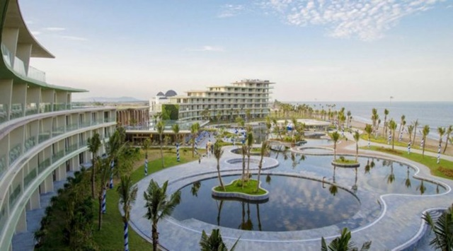 Khách sạn FLC Luxury Hotel Samson cao 7 tầng tiêu chuẩn 5 sao